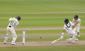Jos Buttler misses a chance to stump Shan Masood off Dom Bess