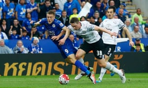Everton's Matthew Pennington concedes a penalty against Leicester's Jamie Vardy.