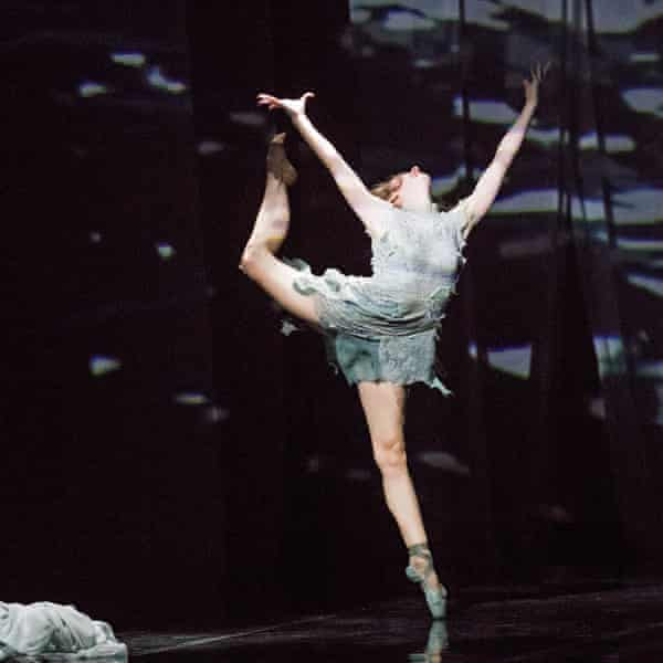 Laurretta Summerscales in Yabin Wang's reading of the Medea myth, M-Dao, by English National Ballet, 2016.