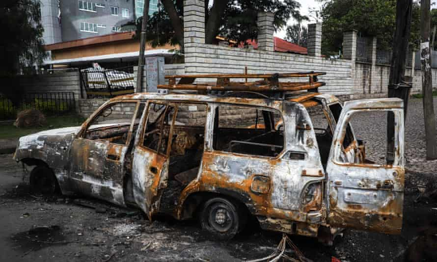 The aftermath of angry protests in Shashamene after Haacaaluu Hundeessaa was assassinated.