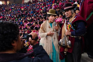 Sonia Siñani interviews Sotero Ajacopa, the indigenous chief of the Ingavi province during the Tupac Katari Indigenous Congress in El Alto