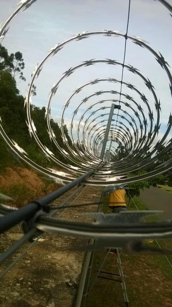 Security razor wire on the Türkmenistan border.