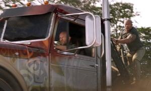 Jason Statham (Shaw) and Dwayne Johnson (Hobbs).