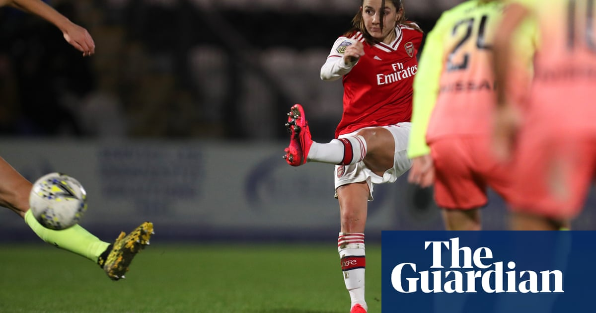 Van de Donk puts Arsenal into League Cup final at Manchester City's expense