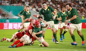 Schalk Brits goes over to scores the Springboks' eighth try.