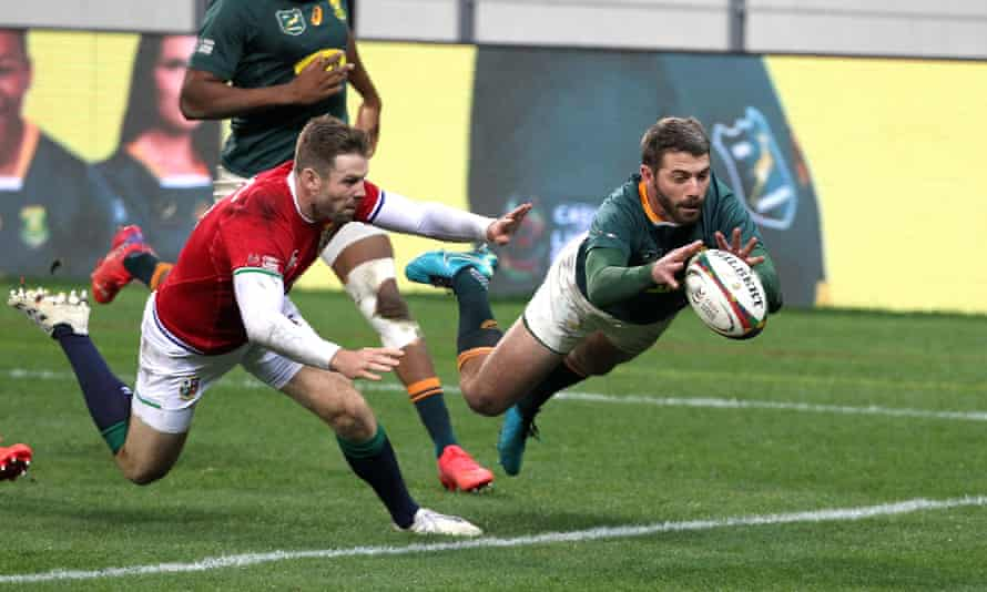 Willie le Roux's try was ruled out for offside in a marginal call during South Africa's defeat to the British & Irish Lions