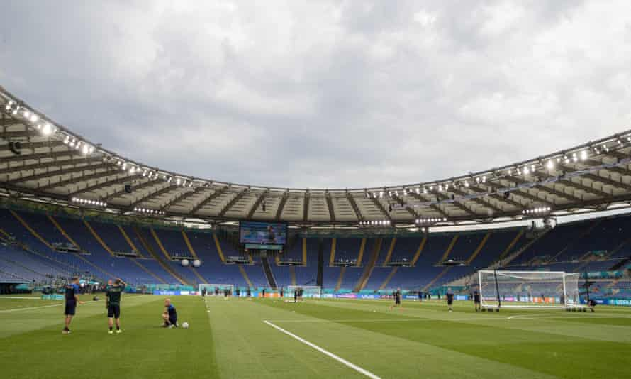 Italy players train in the Olimpico for Friday night's game against Turkey