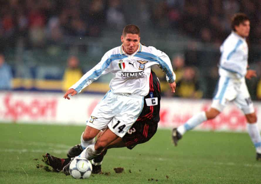 Simeone in action for Lazio against Milan in 2000.