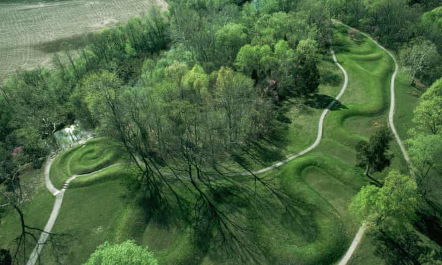 Overview of Serpent Mound and foliage in Ohio.