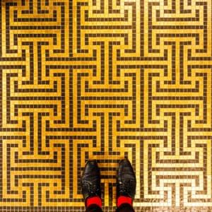 Laboratorio Orsoni Venetian floor photographed by Sebastian Erras