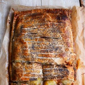 Apple, mincemeat and marmalade tart.