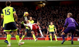 Lucas Torreira fires a dramatic late winner as Arsenal moved above Spurs in the table.