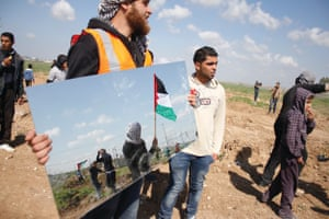 Protesters rally on Gaza's eastern border with Israel