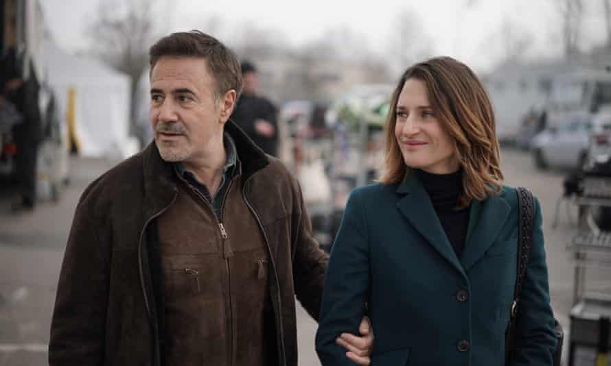 The actor José Garcia as himself in Call My Agent!, with Camille Cottin as Andréa