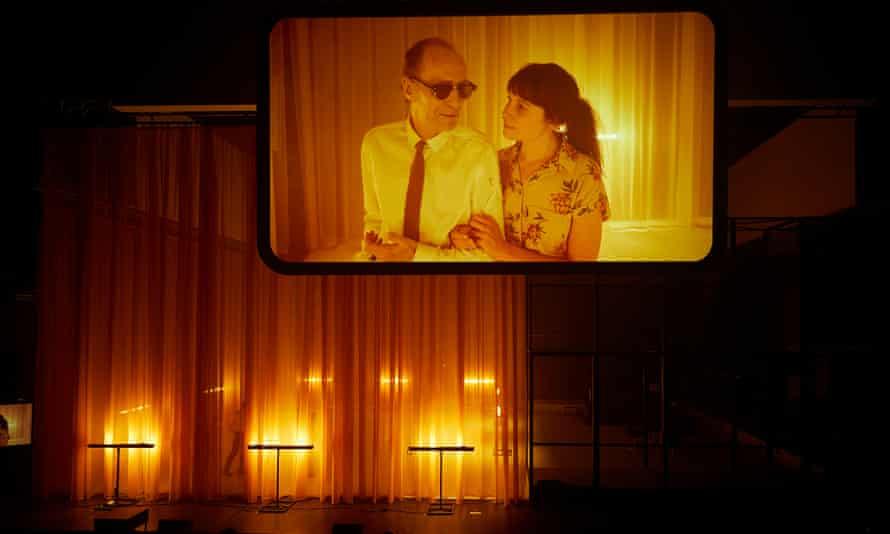 Julien Gosselin's Joueurs Mao II Les Noms almost exclusively uses live film.