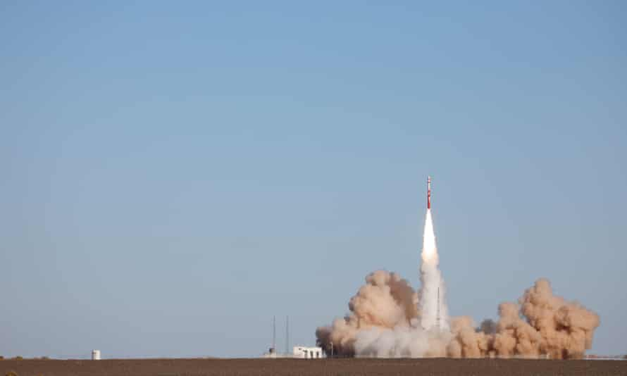 China's first private carrier rocket ZQ-1 blasts off before failing.
