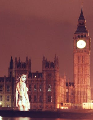 The image of a nude Gail Porter on the Houses of Parliament put projection on the map in 1999.