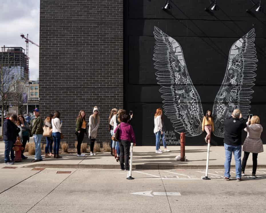 An Instagram-friendly Mural in the Gulch draws a crowd.