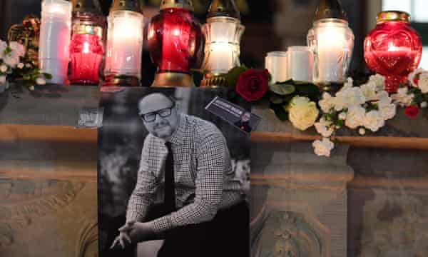 Candles are lit in the Old Town where Mayor of Gdansk Pawel Adamowicz died.
