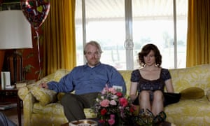 Philip Seymour Hoffman and Laura Linney in The Savages (2007)