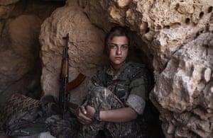 Warshin, a survivor of the Yazidi genocide and volunteer YJÊ fighter.