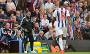 Tony Pulis has played a key role in helping Saido Berahino, who said he would not play for the club again after being denied a move to Tottenham, return to the West Brom first team.