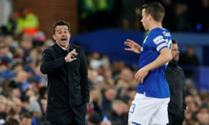 Marco Silva issues instructions to Séamus Coleman.