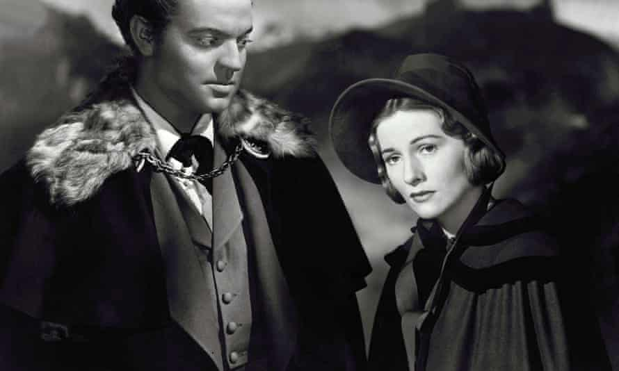 Joan Fontaine as Jane Eyre with Orson Welles as Rochester in the 1944 film version.