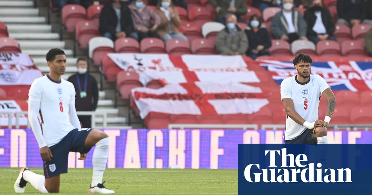 Tory MP to boycott England games in row over taking the knee