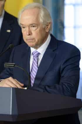 Bernard Aronson, US envoy to the Colombia peace talks