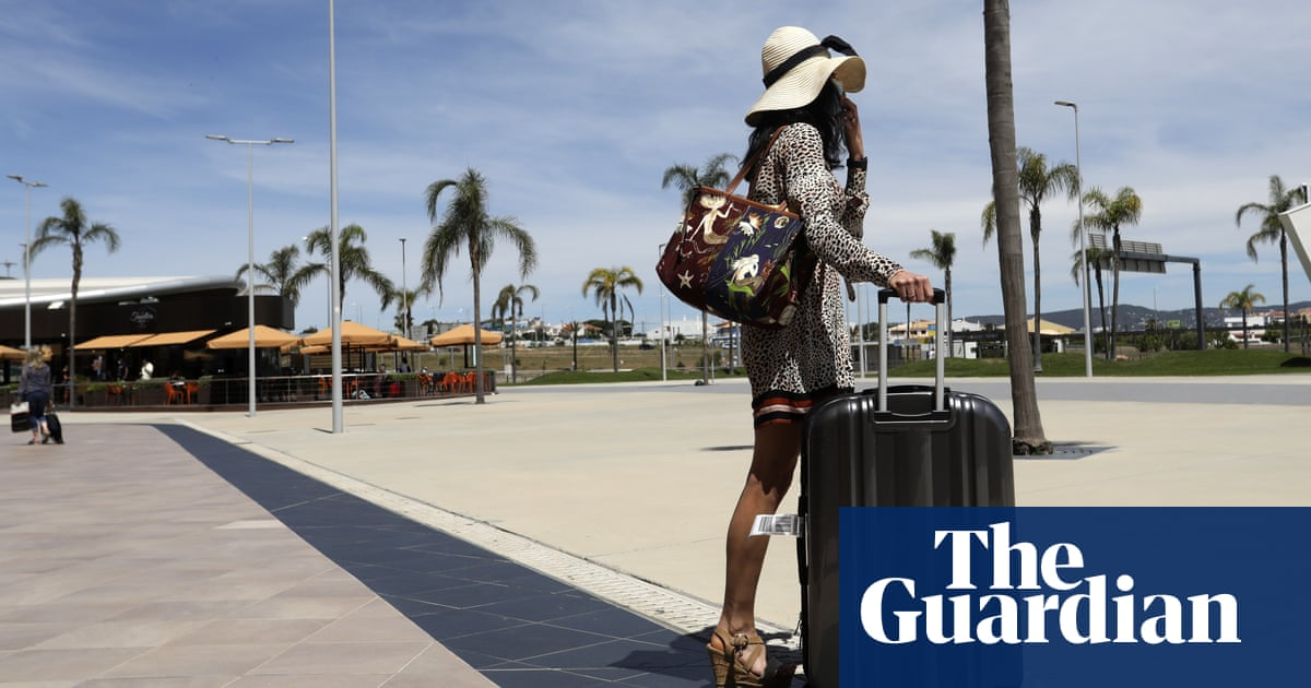 Tour groups and airlines shed more than £2bn after Portugal downgrade