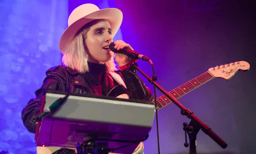 Shura playing live on stage