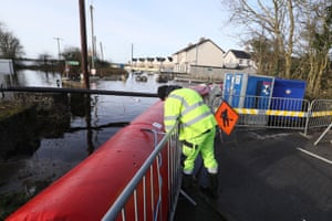 Members of Westmeath county council continue their efforts to keep flooding at bay in Athlone, County Westmeath