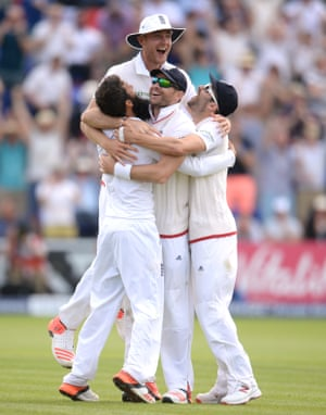 Moeen Ali, Stuart Broad, James Anderson and Mark Wood celebrate winning the first test