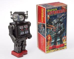 Robots … from Leonardo to Super Astronaut.
