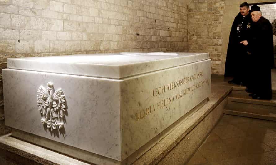 Lech Kaczyński tomb