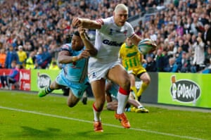 Ryan Hall scores for England against Fiji in Hull at the 2013 World Cup.