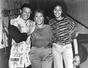 Aretha Franklin and Whitney Houston with producer and arranger Narrada Michael Walden, during the recording of the song It Isn't, It Wasn't, It Ain't Gonna Be Me, May 1989 in Detroit