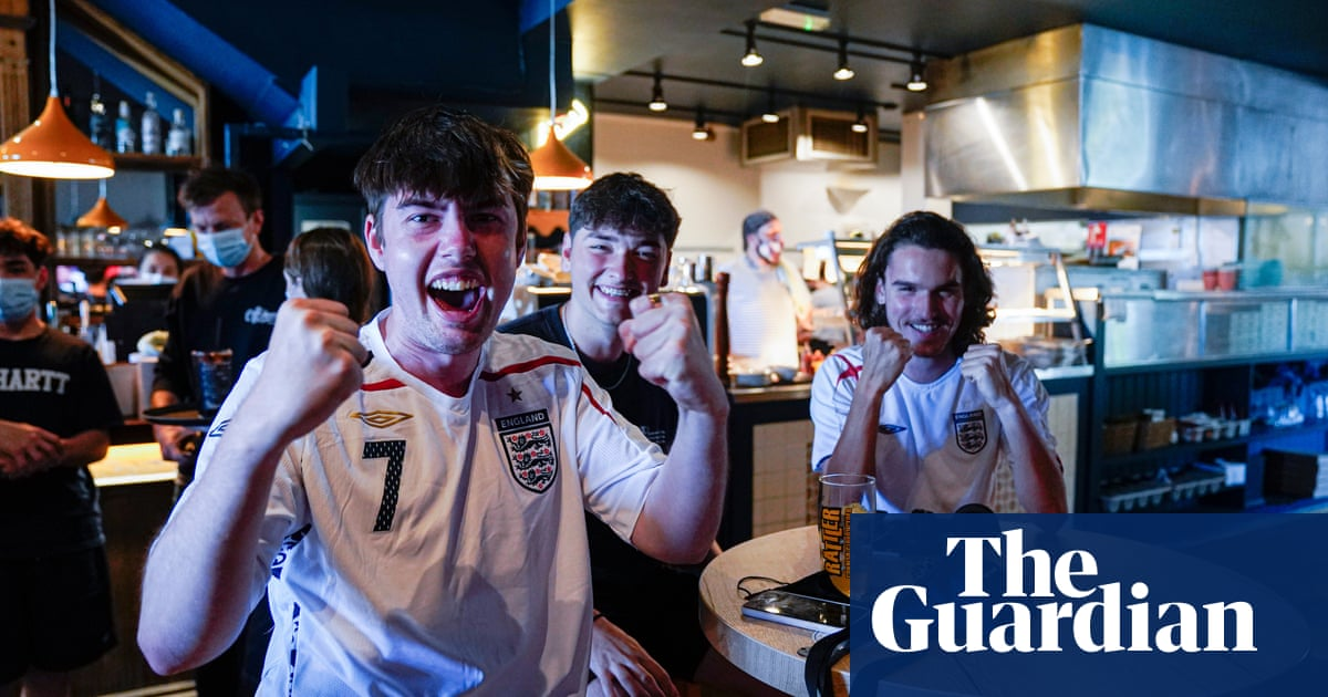 Let staff leave early to watch England game, Labour urges firms