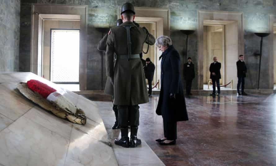May bows her head during the wreath-laying ceremony at Anitkabir, the mausoleum of Atatürk.