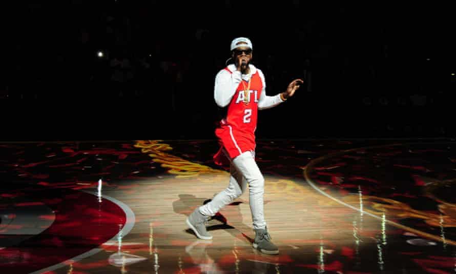 2 Chainz before the game between the Miami Heat and Atlanta Hawks on 27 March at Philips Arena in Atlanta, Georgia.