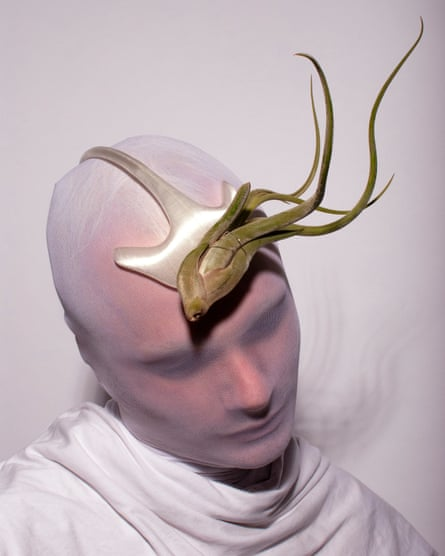 Leo Carlton: botanical headpieces