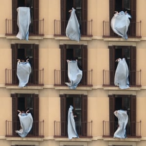 Shelter in place: Afuera Spain From the perspective of a terrace offering a 180-degree view of the city, Luis Cobelo recounts Barcelona's lockdown. A video work that explores humanity in its new habits and new meeting places, socializing at a distance: roofs, balconies, windows.