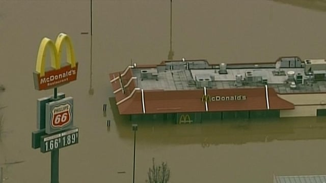 'Historic' flooding in Missouri and Illinois leaves at least 18 dead