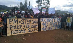 Protesters in Mendi call for prime minister Peter O'Neill to resign