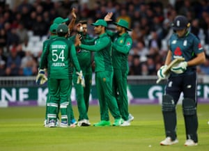 Pakistan celebrate as Buttler walks for a duck.