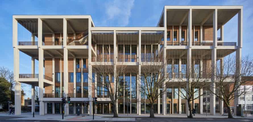Vue de face… le prix en fait un triplé pour Grafton Architects, basé à Dublin.