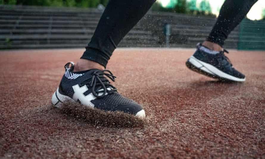 Rens' new vegan waterproof sneaker will be completely climate neutral.