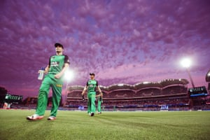 Purple skies above the Big Bash League match between the Adelaide Strikers and the Melbourne Stars at Adelaide Oval on 18 December.
