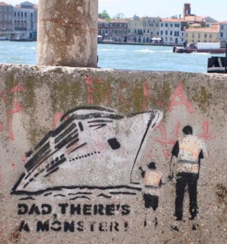 Cruise ship graffiti in Venice